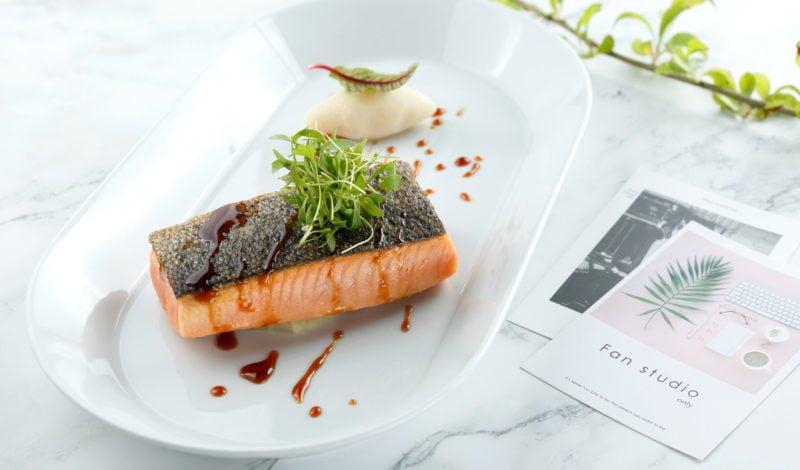 Recipes - Lightly Fried Alaska Salmon with Balsamic Broccoli Puree