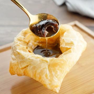 Sup Puff Pastry Vanilla dengan Teripang Alaska