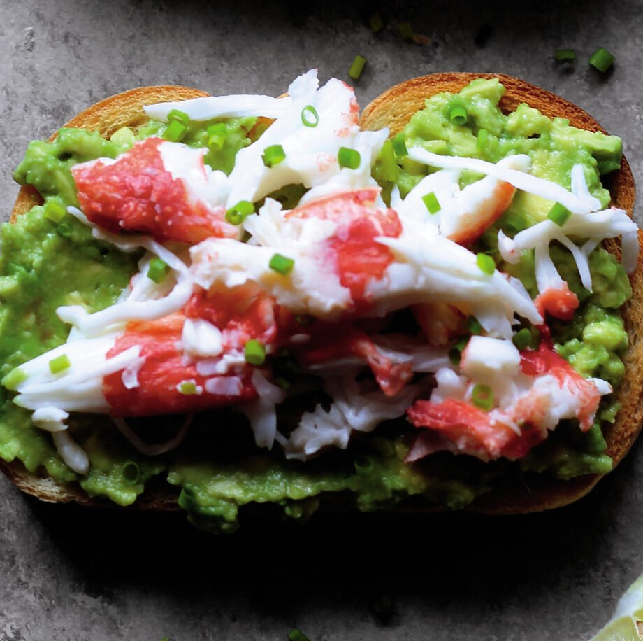 Món Bánh Mì Nướng Bơ cùng với Cua Hoàng Đế (Alaska from Scratch)